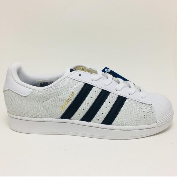 le adidas superstar rettile bianco nero figlio poshmark scarpa